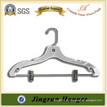 China Manufactory Venta caliente Gown Hanger de plástico
