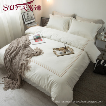 High Quality Hotel Bedding Linen Supplier 100% Cotton Plain White Bed Sheets Set frame embroidery