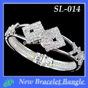Yiwu New Fashion bangle shine Latest Gold Chunky bracelet