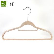 Colgador de plástico de pintura crakel personalizado para ropa material de ABS