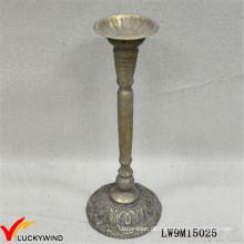 European Vintage Gold Kerzenständer aus Matel