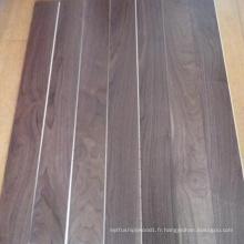Plancher de bois franc noyer américain préfini