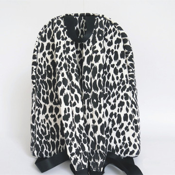 Backbag de lona de leopardo blanco y negro