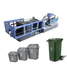 grande poubelle en plastique faisant la machine
