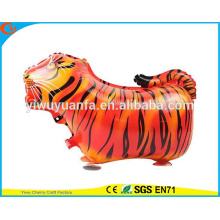 Novidade Design Walking Pet Balloon Toy Foil Balloon Air Walker Tiger para presente infantil