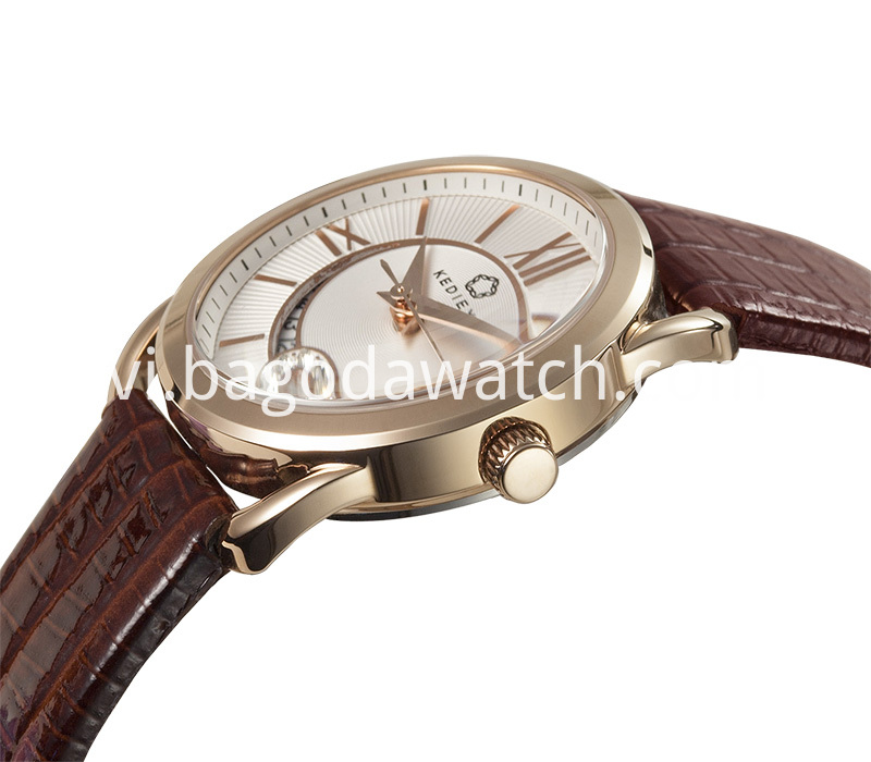 Women Fashion Hand Watch