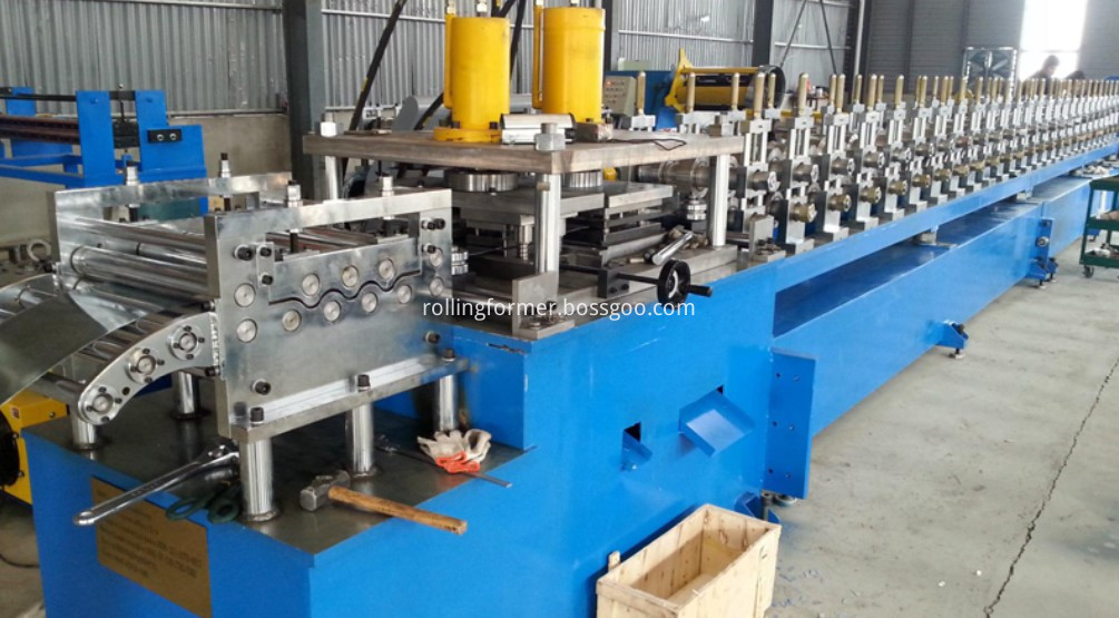 Elevator hollow guide rail roll forming machine (20)