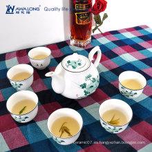 Bonita flor de loto impresa juego de té barato con tetera / cerámica moderna tetera linda y juegos de té