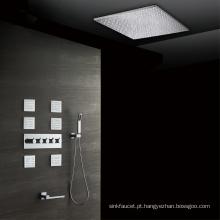 Misturador do chuveiro do banheiro com o faucet do chuveiro dos jatos do corpo