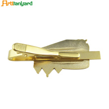 Customized for Shirt Collar Clips Quality Shiny Gold Pattern Tie Clip export to Netherlands Exporter
