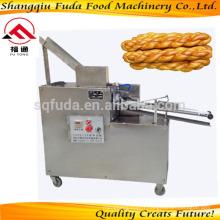 Machine de traitement de nourriture croustillante Snack Machine de fabrication de torsion de pâte fritée