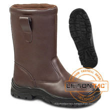 Safety Boots for Army Adopting Cowhide Leather
