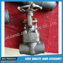 Válvula de compuerta forjada de alta presión A105 / Lf2 / F304 / F316