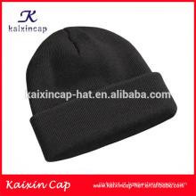 Tampão preto liso do beanie do inverno / chapéu do beanie
