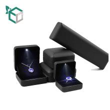Luxus Display-Serie Schmuck Display Geschenk Shinny LED-Licht Karton Anpassung Geschenk Schmuck Set Box