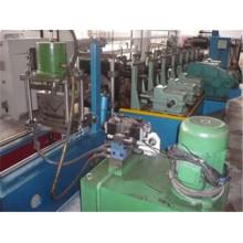 Fabricante de máquina de formação de rolo de perfil de aço galvanizado para Rússia