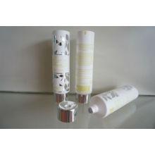 Weichen Kunststoffschlauch mit hellen silbernen Schraubdeckel für Handcreme