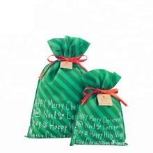 Bolsa de regalo no tejida con estampado personalizado verde navidad