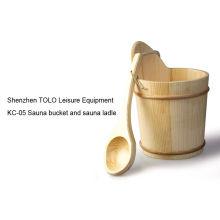 Sauna Room Accessories , Wooden Handcraft Bucket And Ladle With Plastic Insert