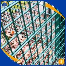 rectangular mesh fence