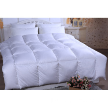 2014hot Design, Down Duvet, 300t 100%Cotton, 70%White Duck Down, 30%White Duck Feather, Baffle Box with Self Piping Around, PVC Handle Bag with Color Insert.