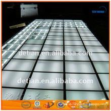Exposición de iluminación portátil piso elevado con plataforma de vidrio para feria comercial
