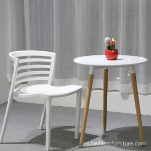 Stackable Curvy Dining Plastic Chair in Yellow