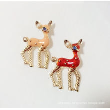 Lovely Giraffe Animal Brooch with Metal
