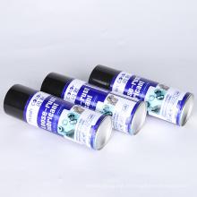 Schmiermittel dringt in Rostschuppenkorrosion in freie Teile ein