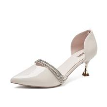 2021 neue Sommer-Design-Sandalen mit scharfer Zehenpartie