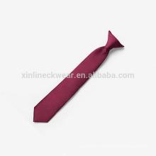 Pince tissée en polyester à nœuds parfaits sur cravate