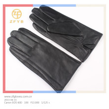 wholesale men's leather gloves in europe
