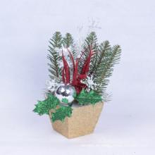 Árboles de la tabla de los regalos de Navidad Ornamentos Atractivos Vívidos