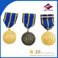Ruban de médaille militaire en métal spécialement fini finement transformé