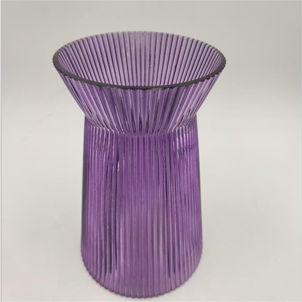 Br V 1016 Purple Ribbed Glass Crystal Vase 1