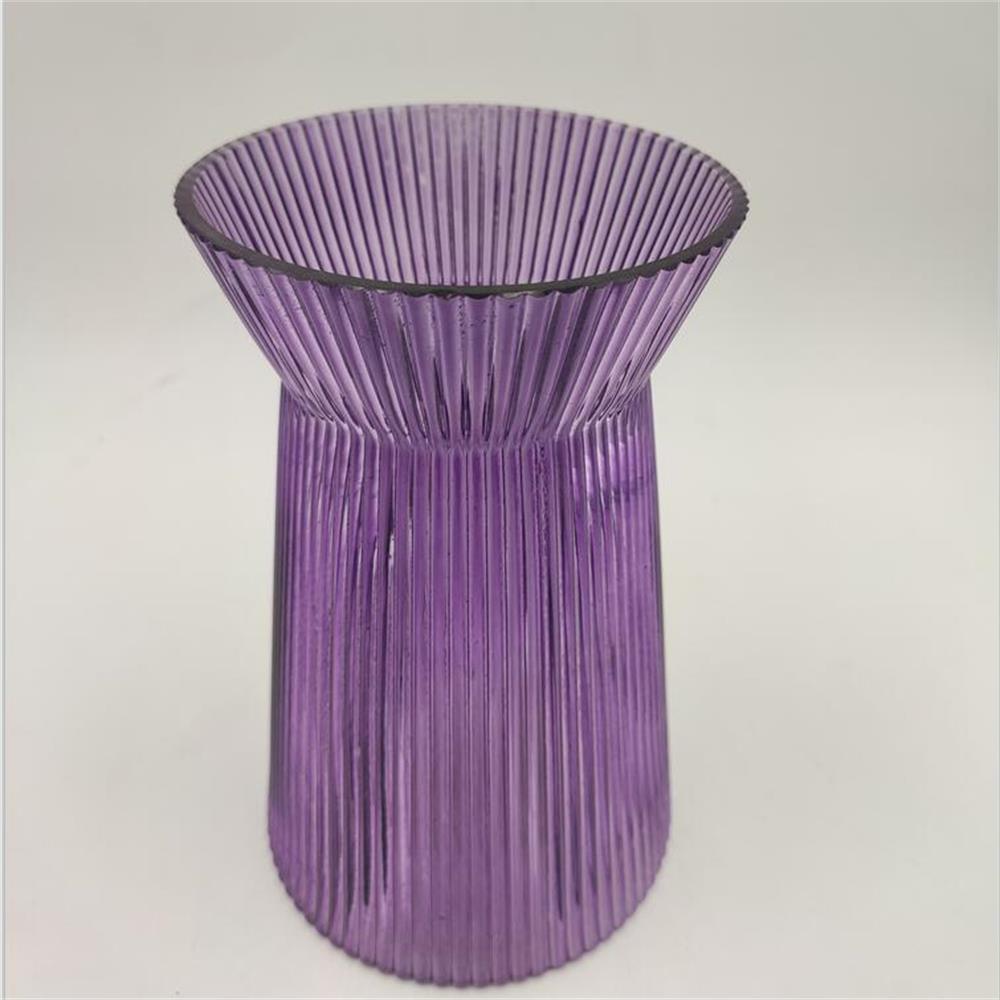 Br V 1016 Purple Ribbed Glass Crystal Vase 1