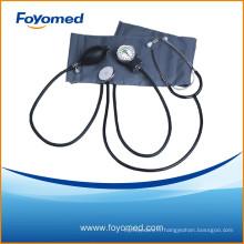 Sphygmomanomètre anéroïde avec stéthoscope à tête unique attaché