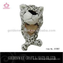 Winterleopard-Plüschtierkappe