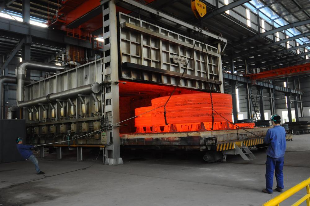 Trolley type energy-saving environment-friendly gas furnace