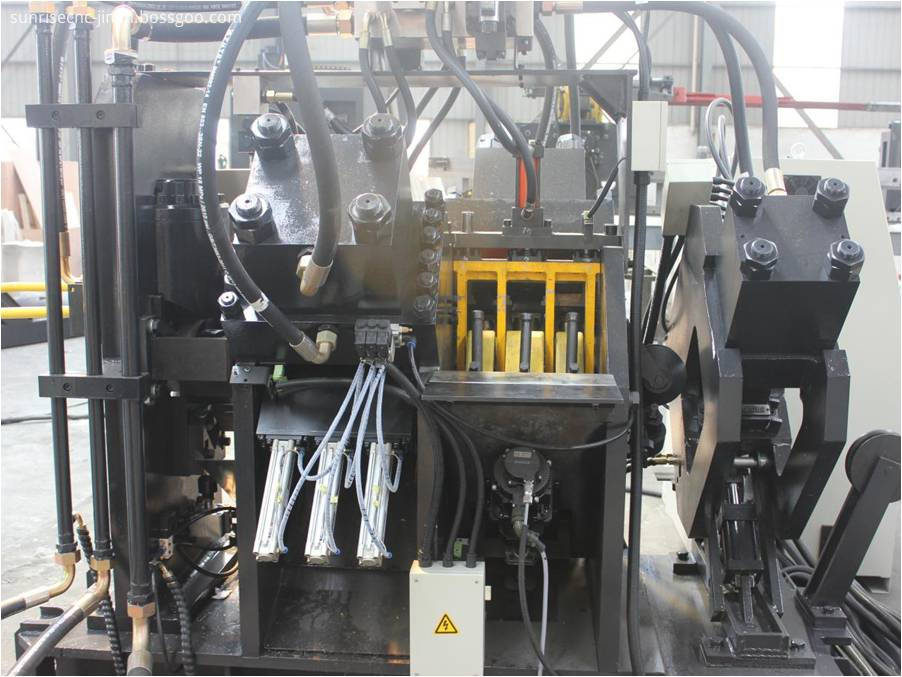 angle punching machine