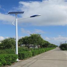 El precio de las farolas solares con postes