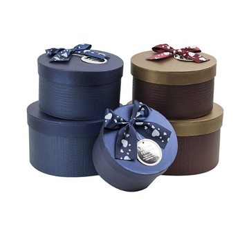 Bra Design Round Box med Silk Ribbon