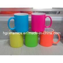 Tasse en céramique fluorescente, tasse de couleur au néon, tasse de néon