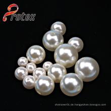 Verschiedene Größen von Plastikperlen / Imitation Perlen
