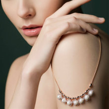 Elegant Pearl Necklace Jewelry Fashion Accessories
