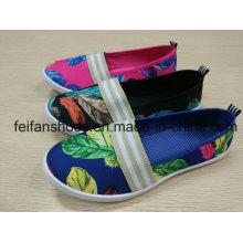 Frauen-Freizeit-flache Schuhe, beiläufige Segeltuch-Einspritzungs-Schuhe mit billigem Preis
