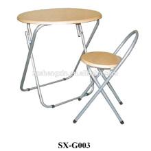 Mesa dobrável e cadeira com armação de metal