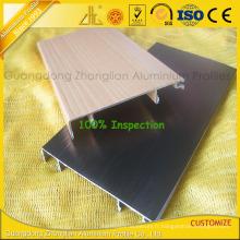 Ligne de coin d'extrusion en aluminium multicolore de brossage avec des composants