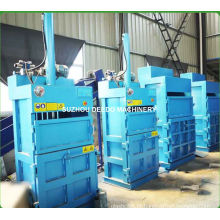 Máquina de prensa vertical para garrafas pet