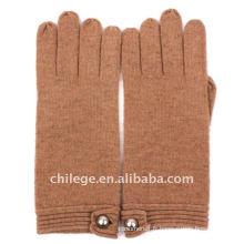 Gants en tricot cachemire avec bouton sur le poignet